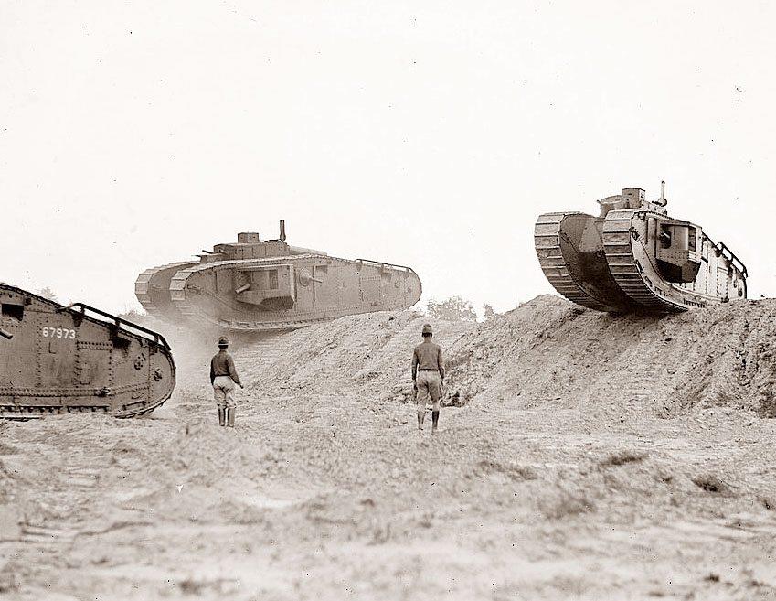первые англ танки
