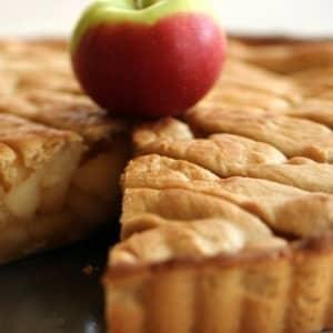 Яблоки шарлотка